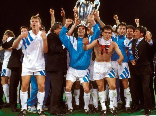 Primer campeón de la Champions League . Olympique de marsella 1993