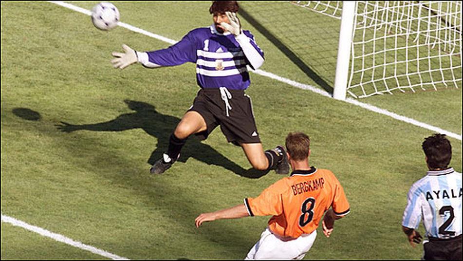 dennis bergkamp gol a argentina francia 98