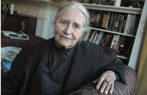 Mujeres ganadoras del Premio Nobel de Literatura Doris Lessing