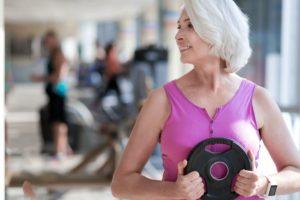 6 mitos persistentes sobre el ejercicio en tus años dorados