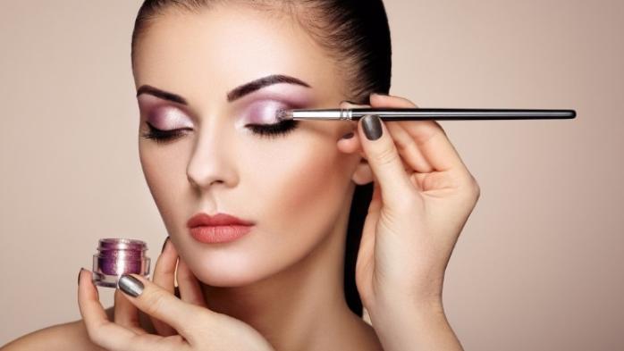 Elija los colores correctos al aplicar maquillaje